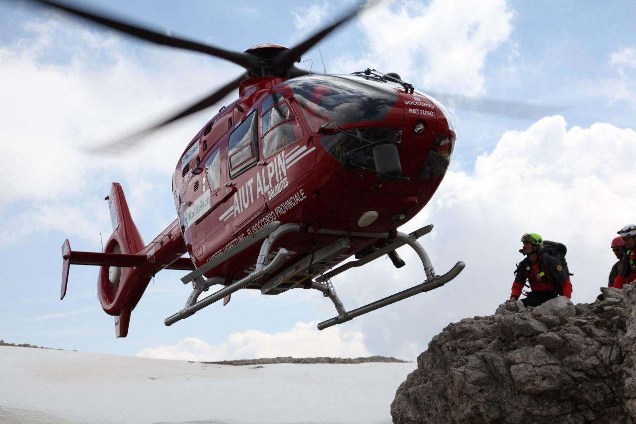 Cavalieri della Repubblica, fra gli Eroi normali anche Kostner, il fondatore dell'Aiut Alpin | Emergency Live 13