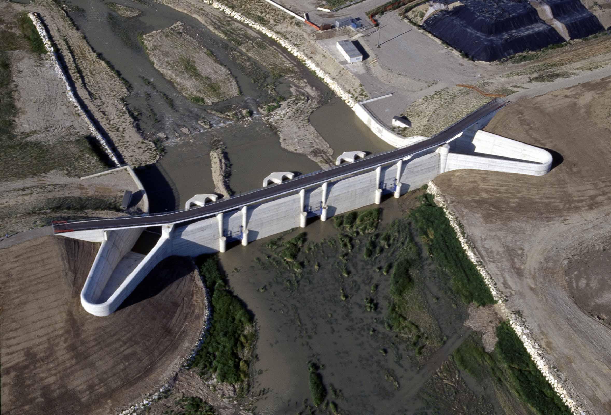 Cassa espansione T. Parma – La diga dall'alto