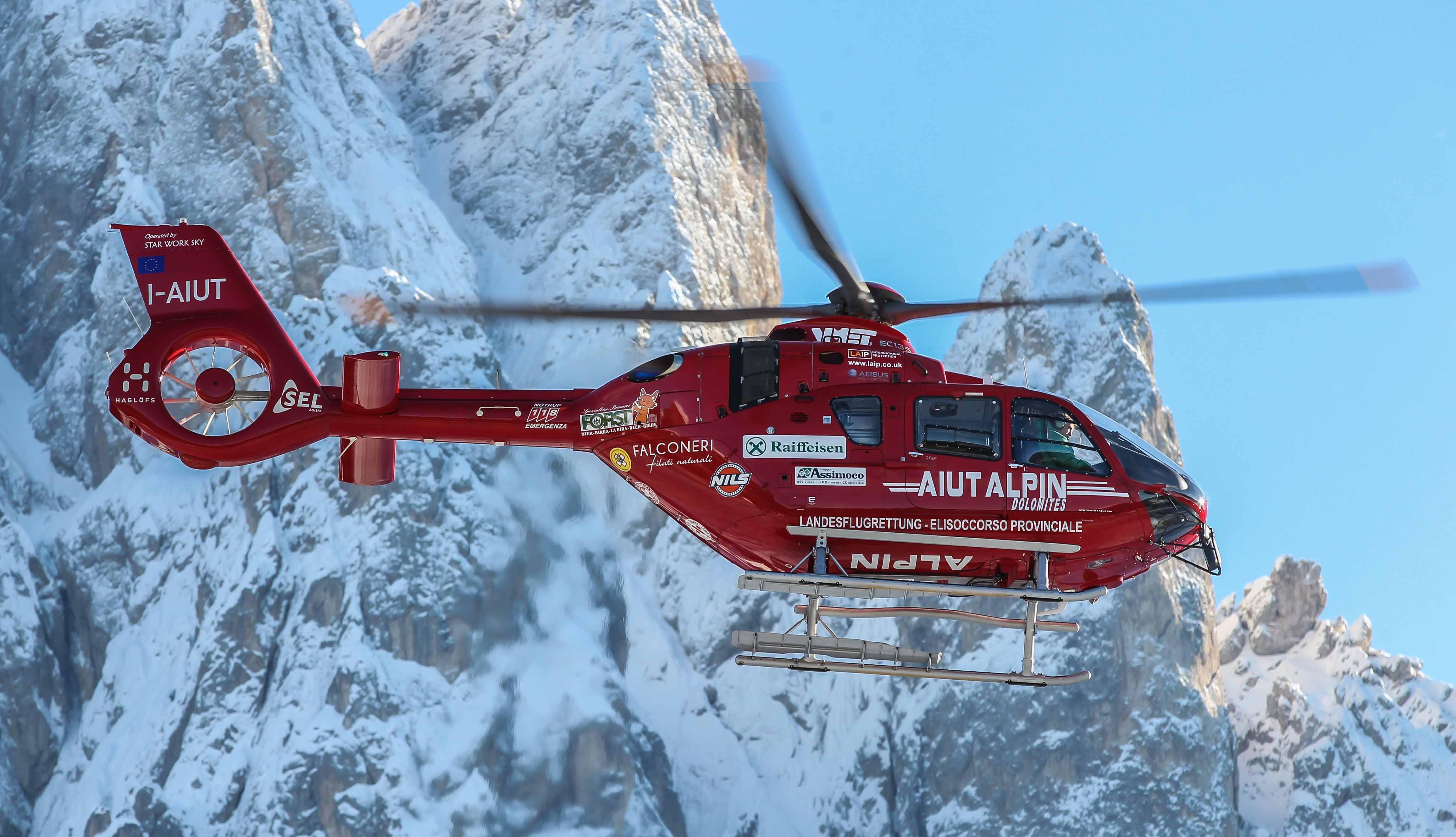 EC135_T2_Aiut_Alpin_Dolomites_Deom-1808_high