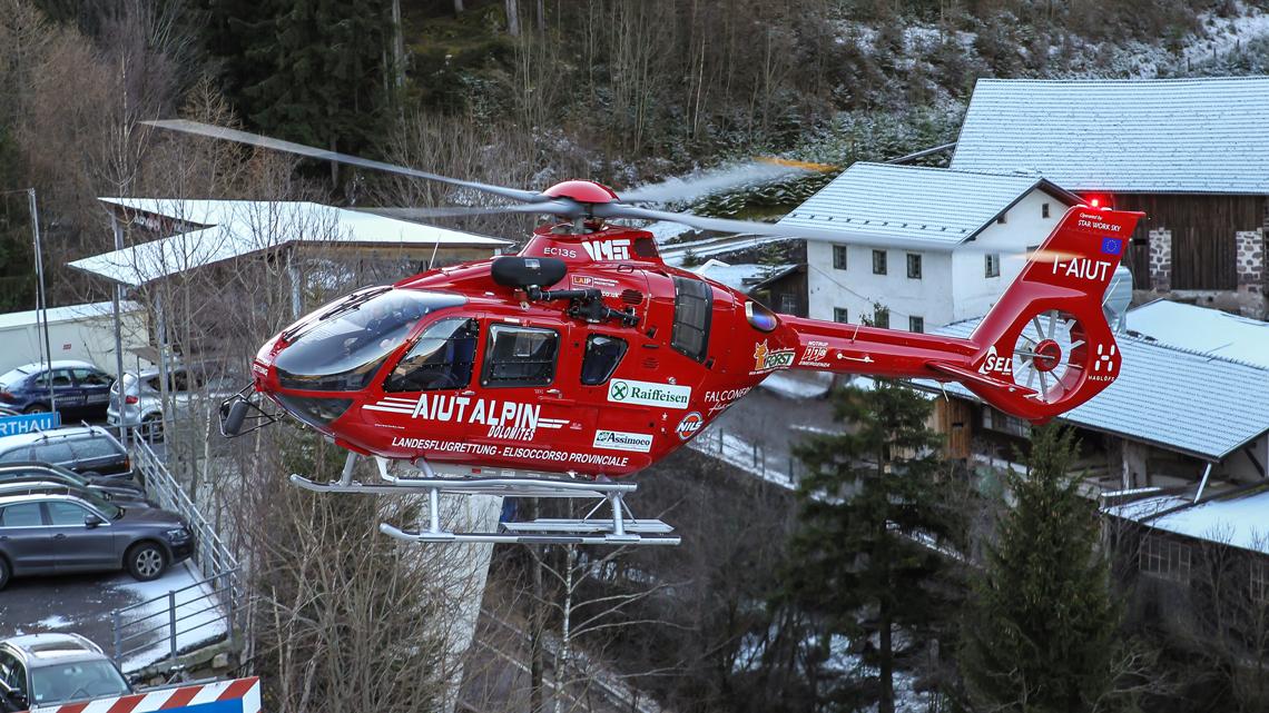 Cavalieri della Repubblica, fra gli Eroi normali anche Kostner, il fondatore dell'Aiut Alpin | Emergency Live 6