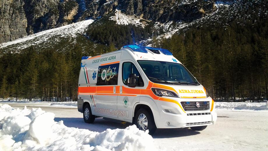 Contributi pubblici per l'acquisto di ambulanze, beni strumentali o beni da donare: come accedere?