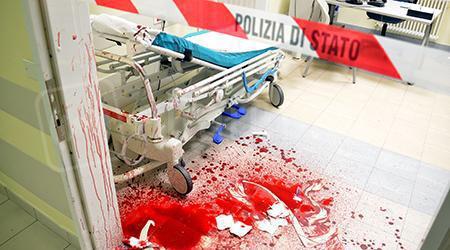 Ubriaco entra in Pronto Soccorso e accoltella il rivale: panico a Rimini