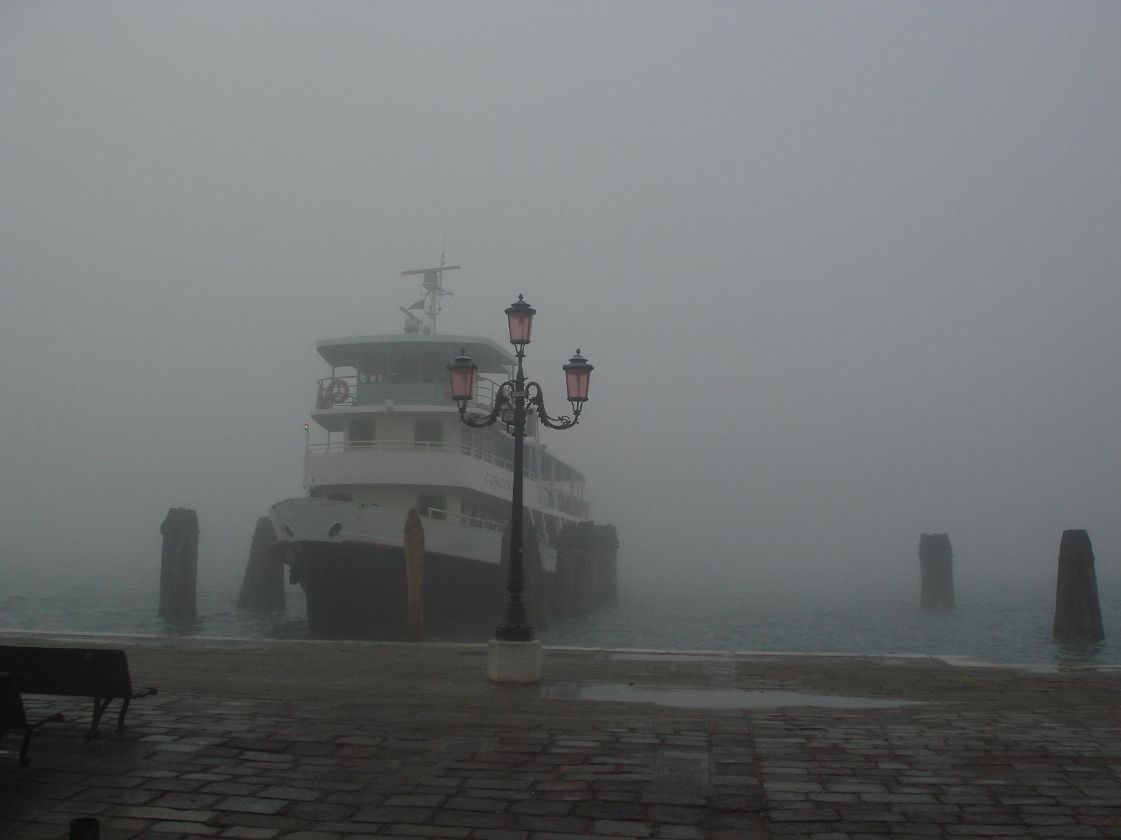 Dispersi nella nebbia a Venezia, doppio soccorso difficoltoso nella notte