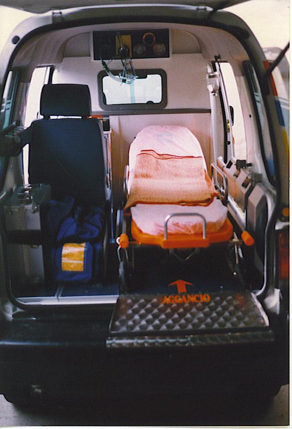 Subaru Libero realizzato, nel 1998, per la Misericordia di Massarosa- foto Alberto Di Grazia