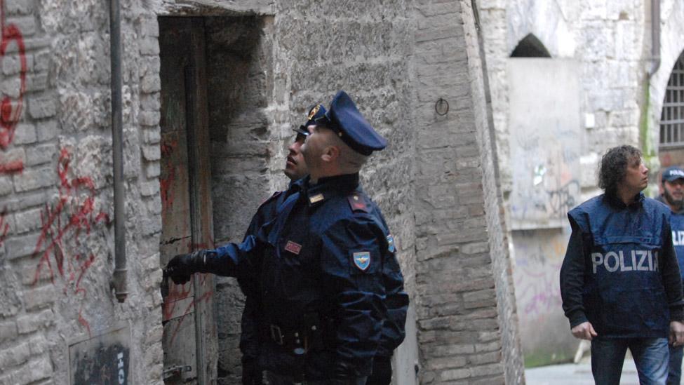 Chirone, la Polizia studia psicologia per approcciare i parenti delle vittime e dei suicidi
