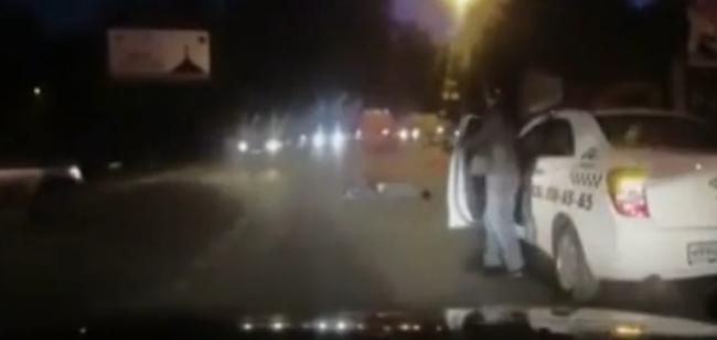 Russia – Ambulanza perde il paziente dalla porta laterale