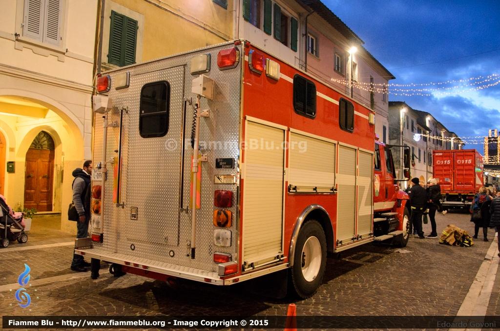 Vigili del Fuoco, l'amore degli italiani verso il Corpo Nazionale è condiviso... dalla Befana! | Emergency Live 19