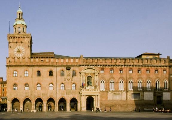 Rientrato l'allarme bomba in centro a Bologna
