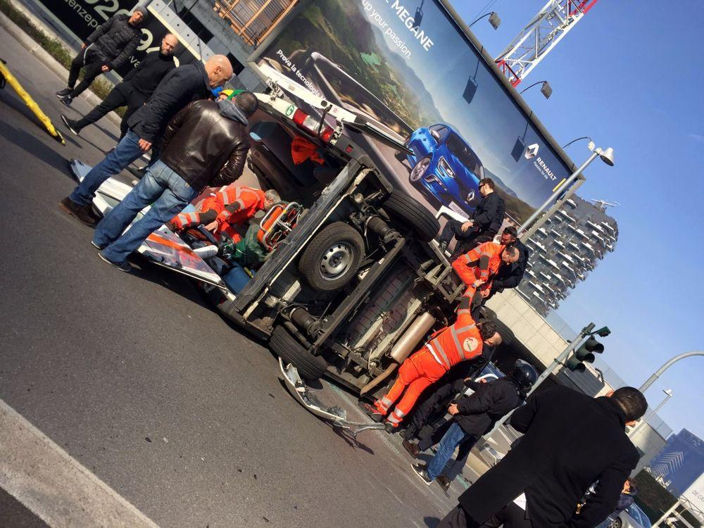 Foto ambulanza ribaltata (foto Mastalli)