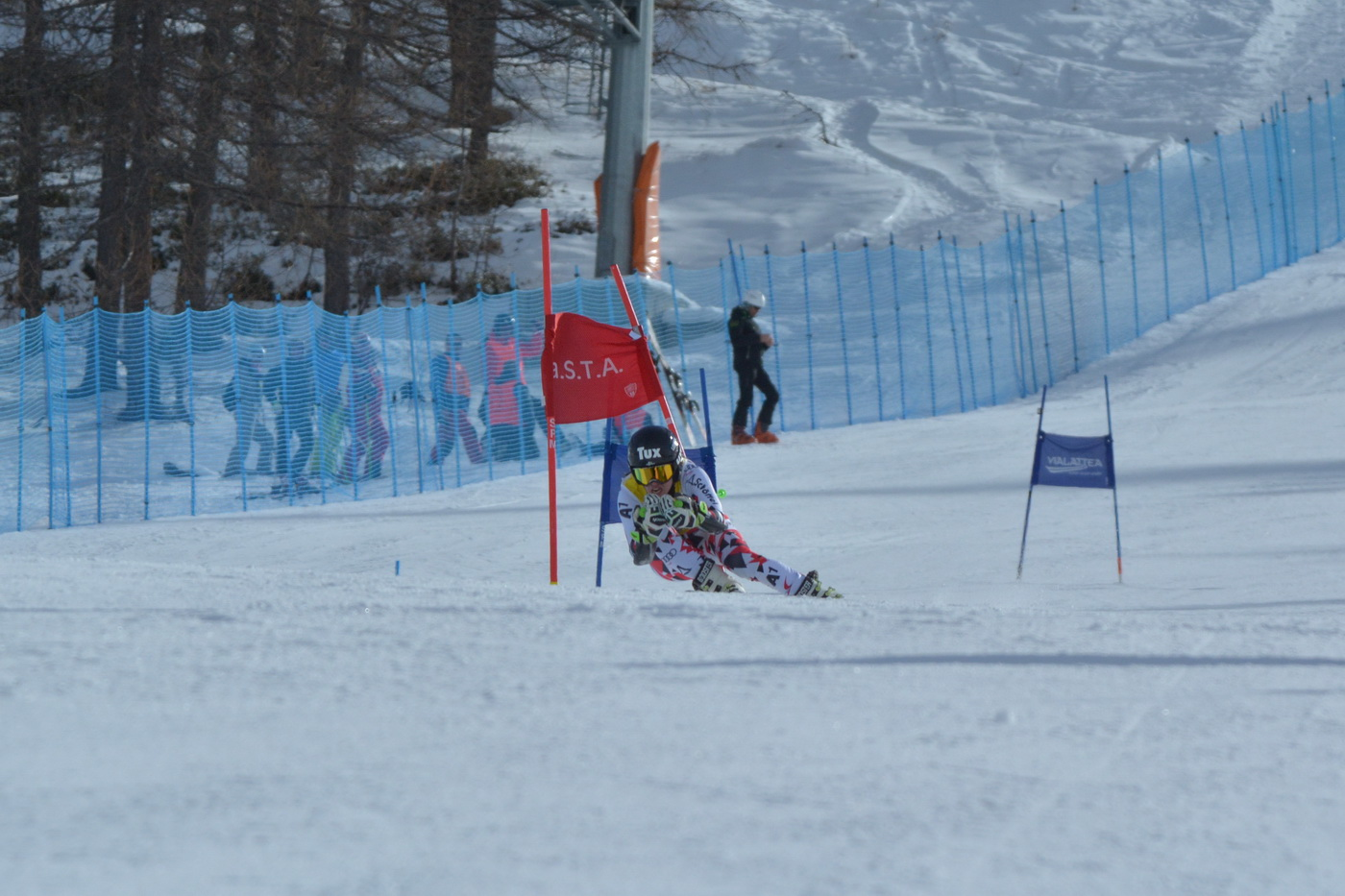 Vittoria austriaca nel Gigante di Coppa Europa valida per l'assegnazione del Trofeo Truppe Alpine