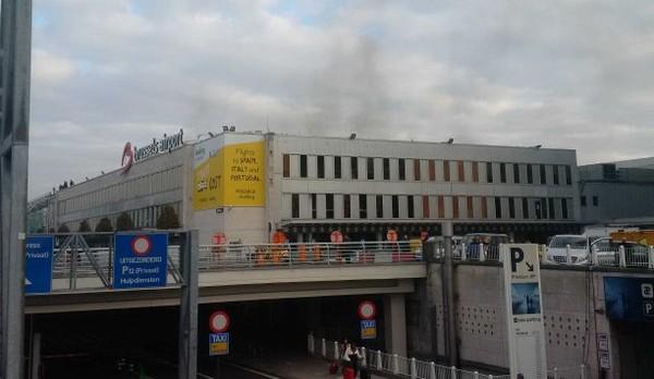 Doppia esplosione all'aeroporto di Bruxelles, 11 morti. Attentato al cuore dell'Europa – LIVE