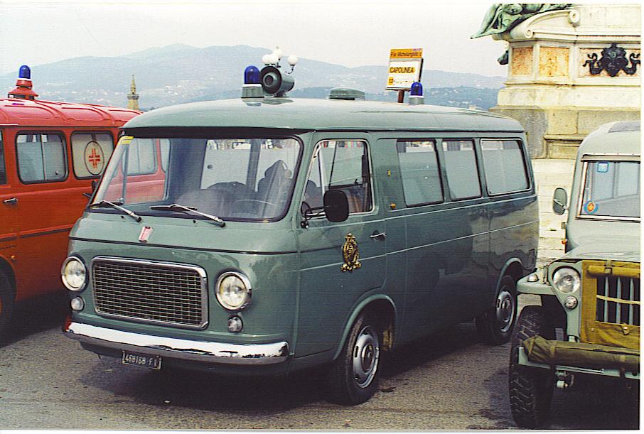 Foto 26: Fiat 238 F.lli Mariani: nelle foto mostra la livrea della Misericordia di Firenze; si tratta di una ( peraltro eccellente) riproduzione e non di un mezzo originariamente appartenuto a questa associazione – foto Alberto Di Grazia