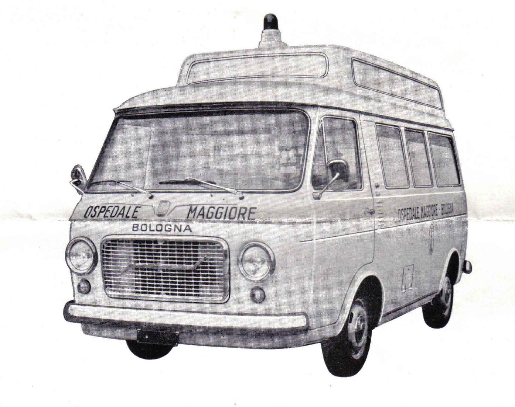 """Foto 34: esterno del modello """"Maggiore"""" di Grazia, riprodotto da brochure pubblicitaria Grazia"""