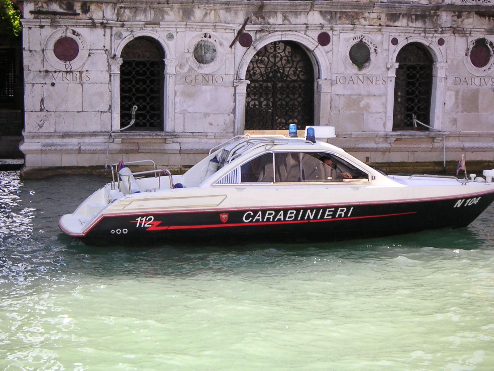 Venezia, come opera la Benemerita in Laguna? A bordo del Nucleo Natanti dei Carabinieri | Emergency Live 9