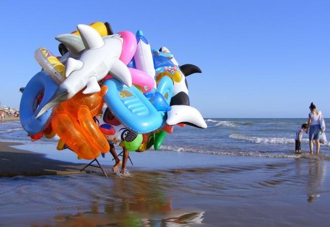 Ostia – Marchand ambulant de jouets gonflables