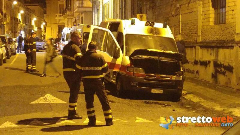 ambulanza-in-fiamme-calabria