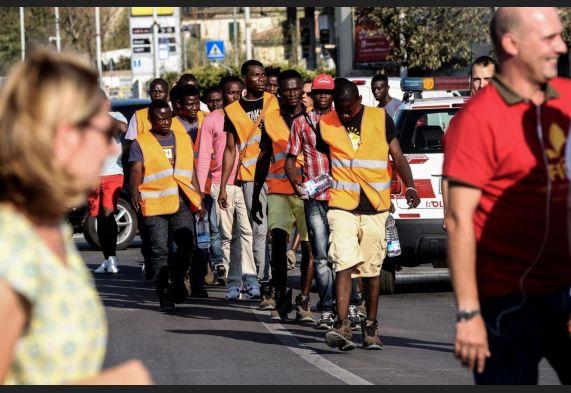 Detenuti e migranti al lavoro nelle associazioni: Lo Stato si fa carico dell'assicurazione contro gli infortuni
