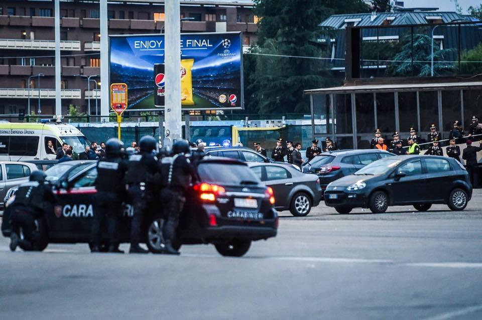 Esercitazione Metropolis, anti terrorismo a Milano davanti allo stadio San Siro: Fotogallery e video | Emergency Live 14