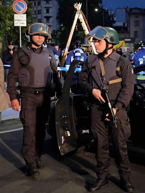 Esercitazione Metropolis, anti terrorismo a Milano davanti allo stadio San Siro: Fotogallery e video | Emergency Live 15