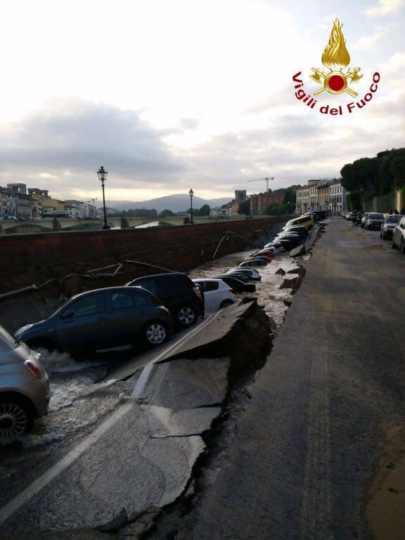 A Firenze c'è stato un problema in lungarno   Emergency Live 3