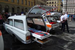 Foto 12: Ancora l'ambulanza G.A.U., della quale in questa foto si evidenzia il piano scorrevole per facilitare il carico della barella – foto Alberto di Grazia