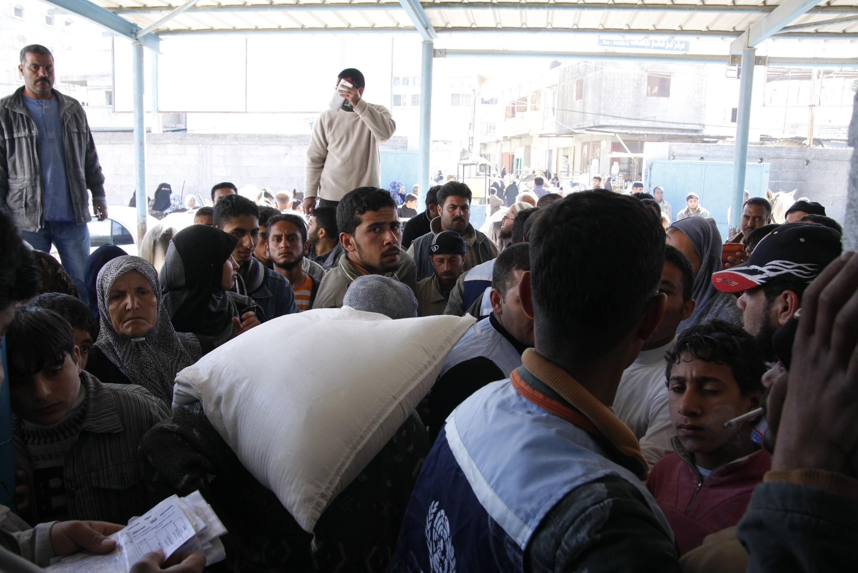 Gaza, ecco il social center della Croce Rossa: formarsi per essere utili a una comunità in difficoltà