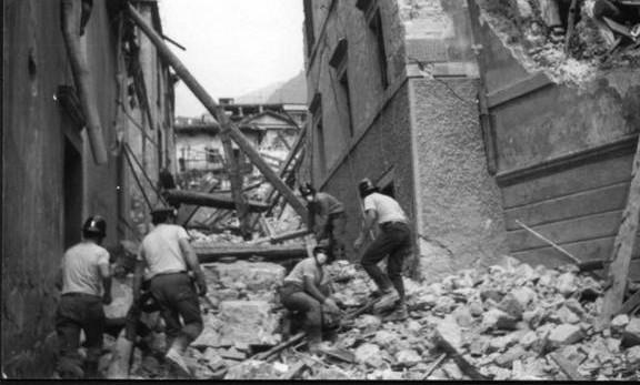 """40 anni fa il terremoto del Friuli: """"Hanno visto, hanno pianto, uno per tutti"""""""