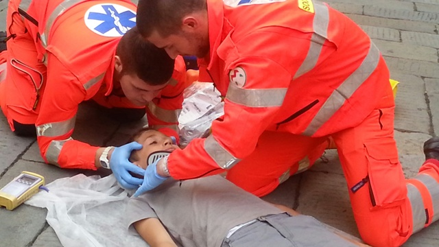 Volontari, infermieri, medici: Basta caccia alle streghe, fermiamo il tritacarne prima che sia tardi