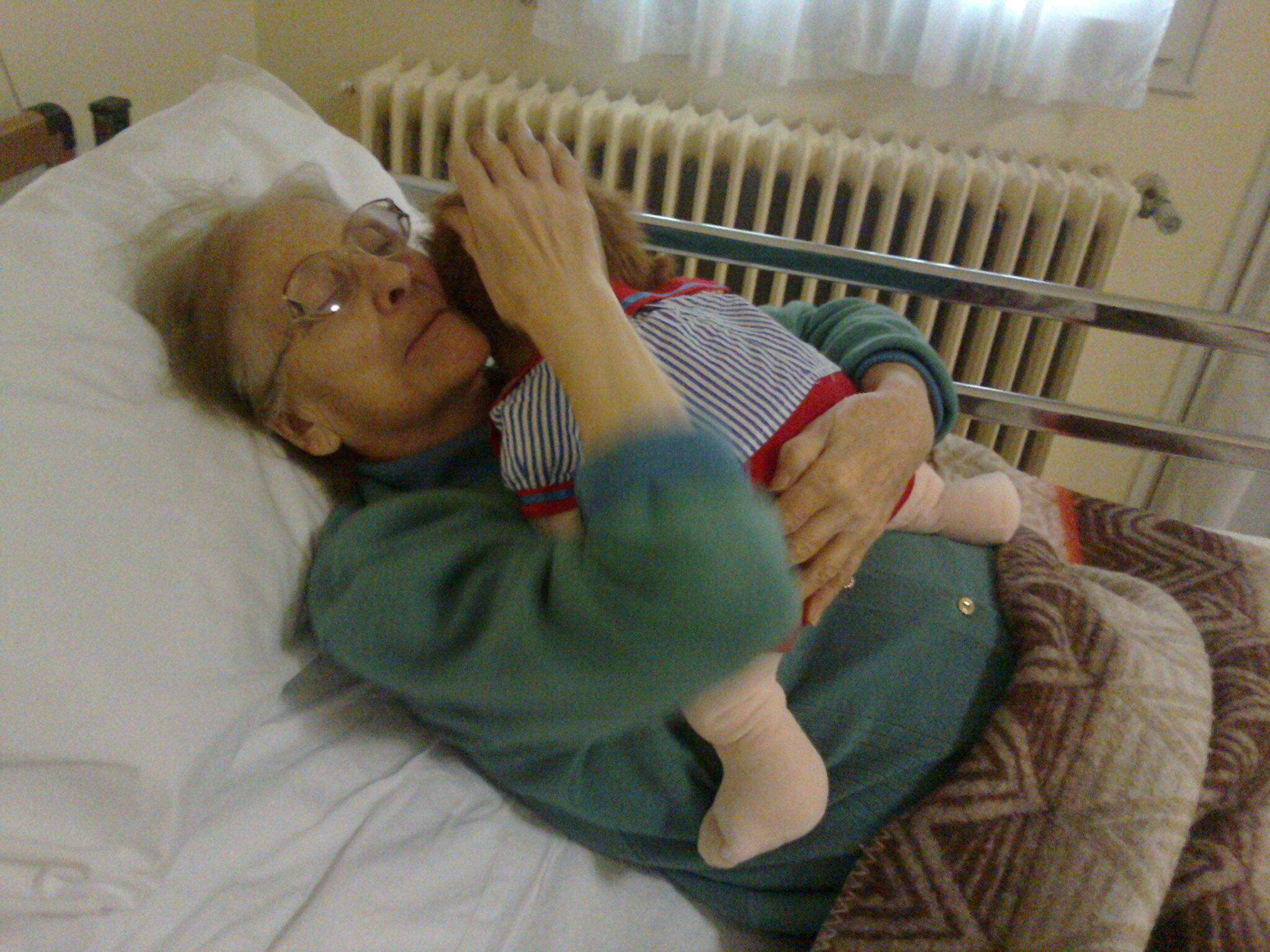 La Terapia della bambola: un metodo naturale per gli anziani