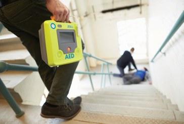 """Prevenire è meglio che pagare: le aziende che adottano il defibrillatore ottengono lo """"sconto prevenzione"""". Di cosa si tratta?"""