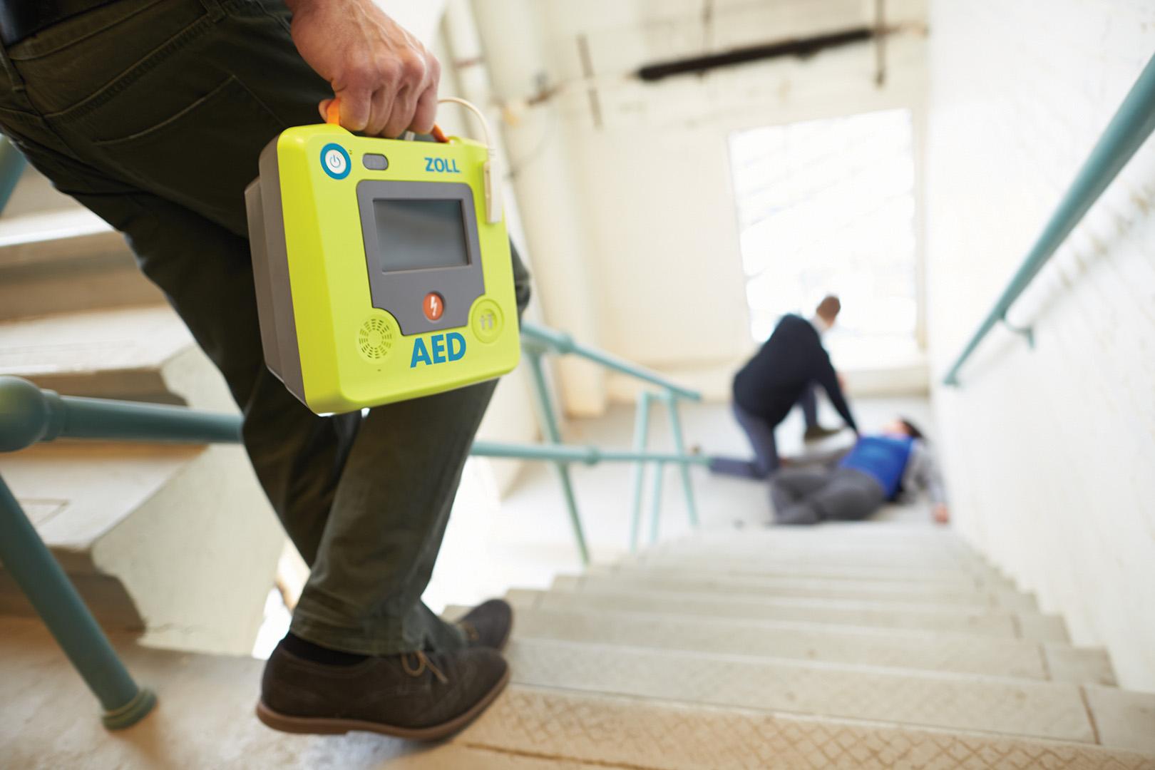 La Regione Emilia Romagna stanzia i fondi per installare i defibrillatori negli impianti sportivi. Ecco come ottenerli