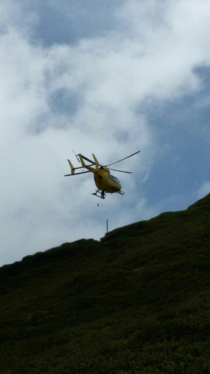 Parma, il salvataggio di un escursionista tedesco a 1800 metri di quota con il SAER (video) | Emergency Live 4