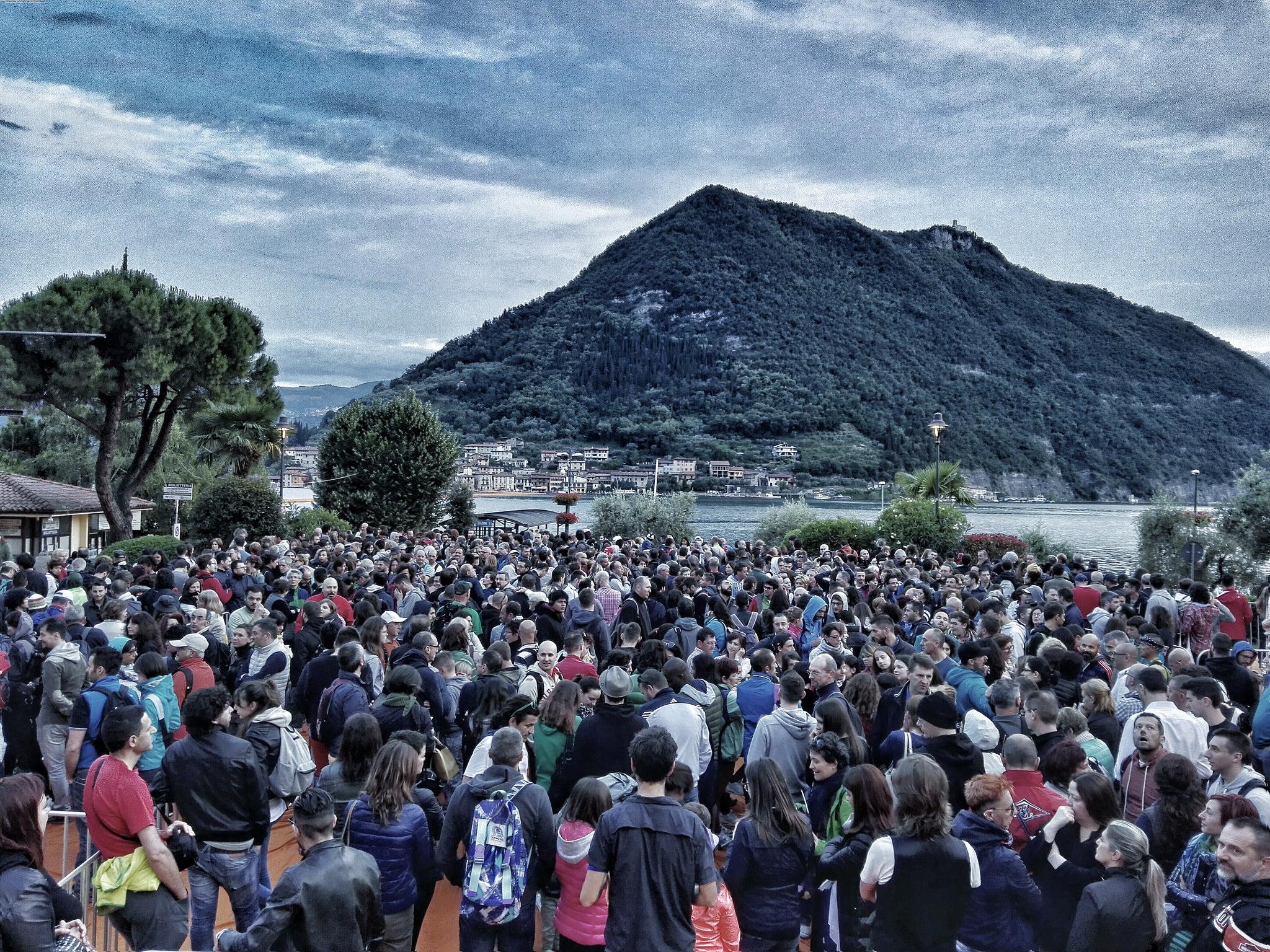 Floating Piers, l'emergenza Lago d'Iseo farà scuola. La testimonianza diretta di chi sta operando a terra