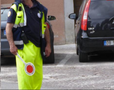 Volontario e paletta: NO, il volontario NON può dirigere il traffico. Parola di Protezione Civile