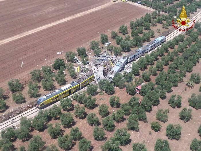 La strage ferroviaria di Corato: il report dalle prime ambulanze sul posto, della Misericordia di Andria   Emergency Live 1