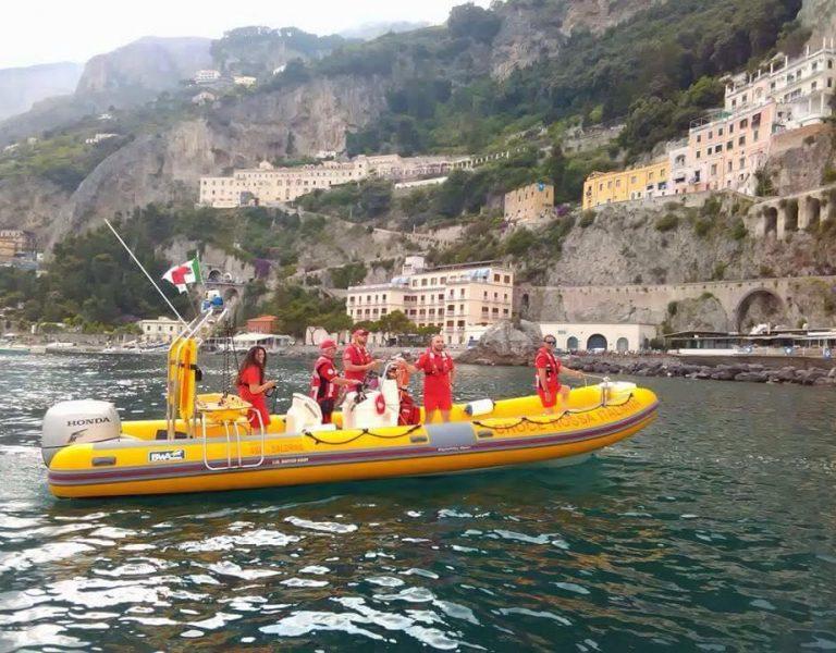 Amalfi – Estate in sicurezza con l'idroambulanza della Croce Rossa