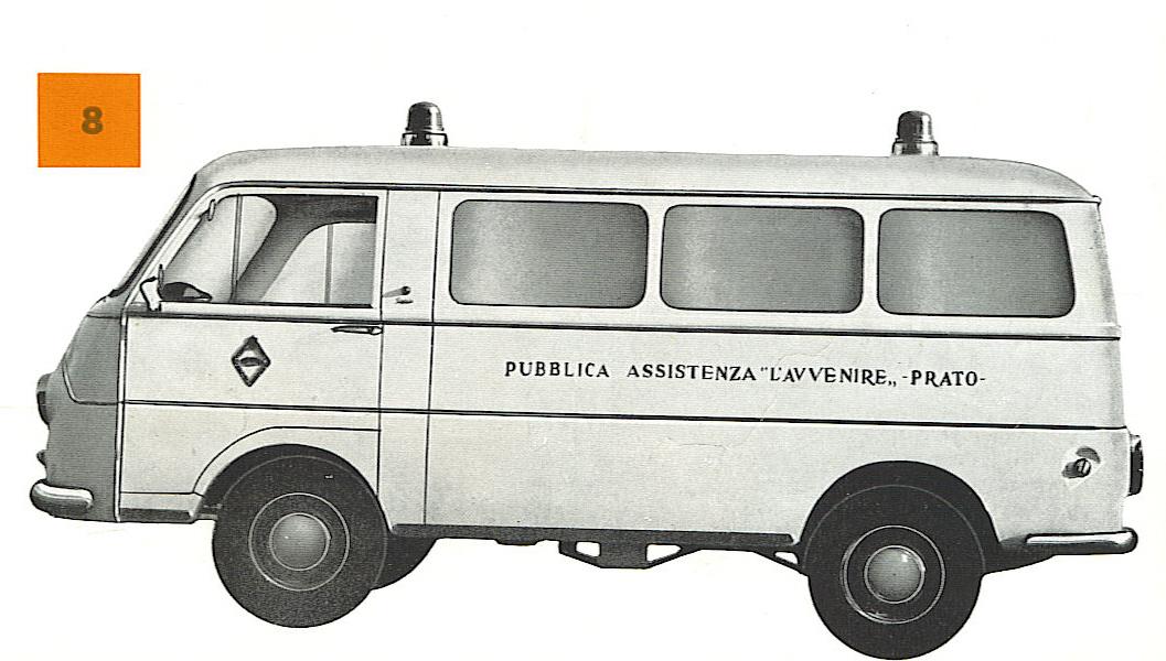 Foto 05 : Fiat 1100T doppia barella ( come vedremo, una costante della produzione della casa Bolognese), scalino interno per facilitare l'accesso sia al personale che a passeggeri non barellati, carrozzeria simile a quella originale ma con tre vetrature laterali contro le due del furgone Fiat. Il tetto, su questo esemplare destinato alla P.A. L'Avvenire di Prato, è quello basso di serie- foto depliant Grazia