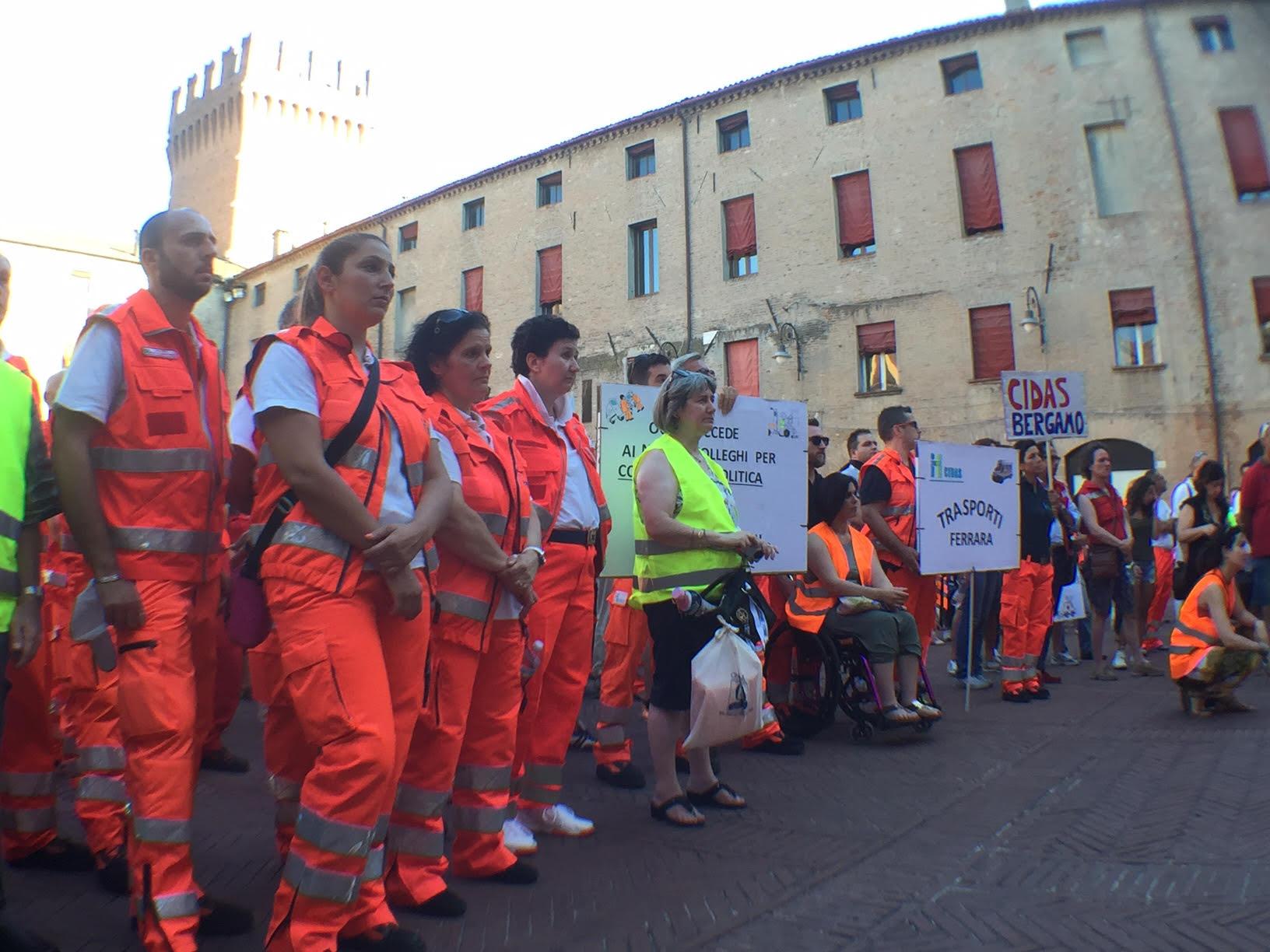 Ferrara, CIDAS in piazza a difesa dei posti di lavoro nell'emergenza | Emergency Live 4