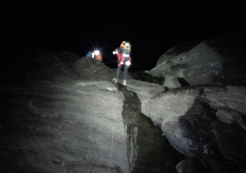 Salvataggio notturno sul ghiacciaio, il Soccorso Alpino compie un nuovo miracolo