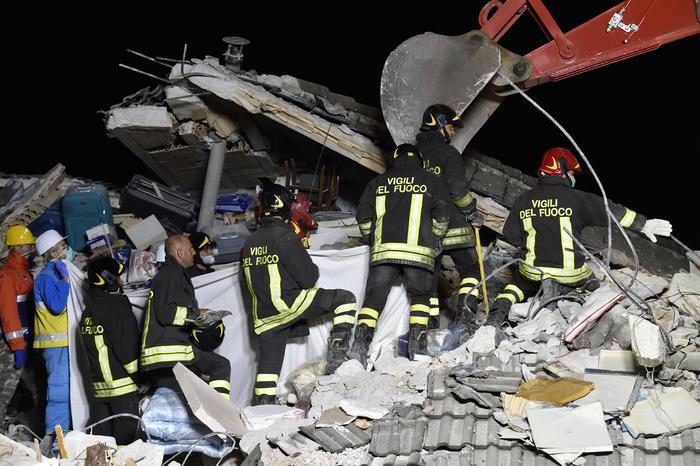 Terremoto in centro Italia, giorno 3: COORDINATEVI CON LA RETE ATTIVA E NON RECATEVI IN ZONA