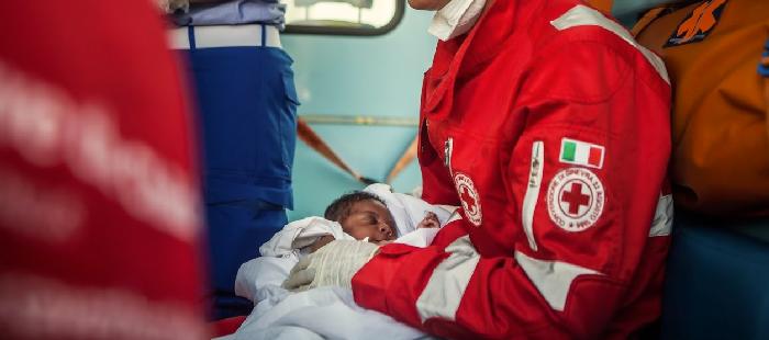 Da soccorritori della Croce Rossa a cancellieri di tribunale? Ironie indelicate e realtà dei fatti