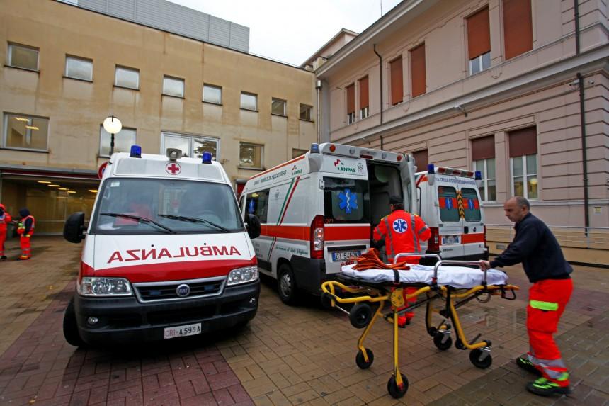 Villa scassi, prontosoccorso, blocco delle barelle, ambulanze in