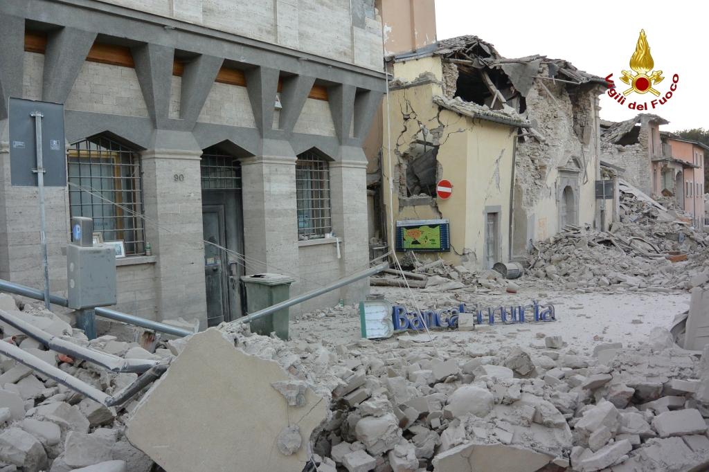 Terremoto centro Italia: la situazione e gli aggiornamenti in diretta. 22.000 persone assistite | Emergency Live 1