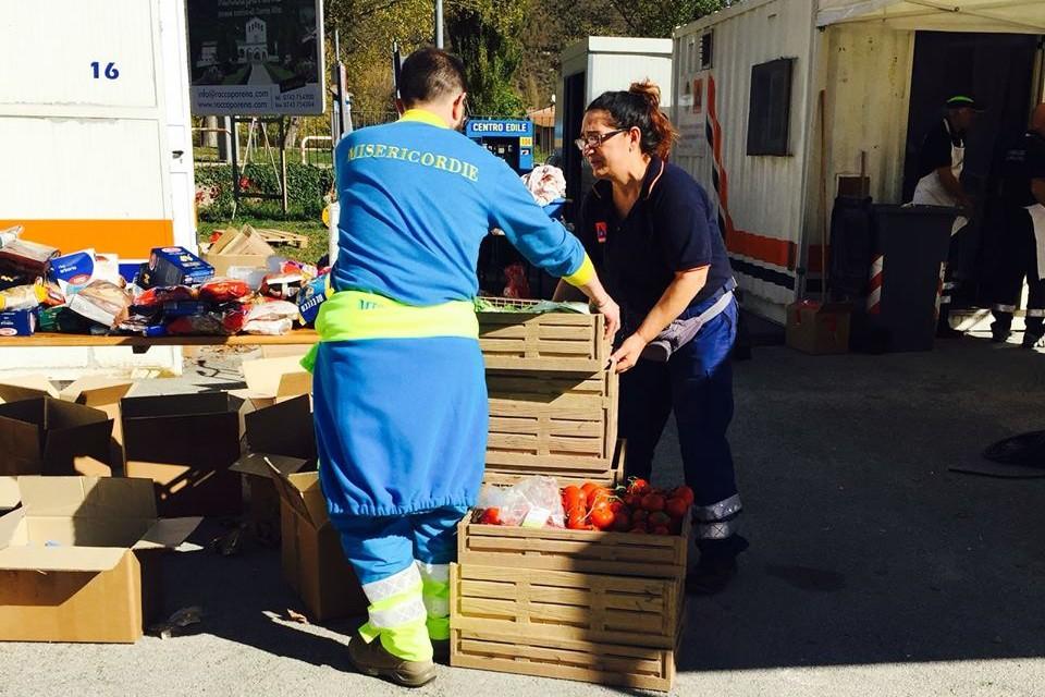 Terremoto, lo sforzo immane dei volontari. A Cascia 1.000 pasti al giorno, aggiornamenti dal cratere dell'emergenza