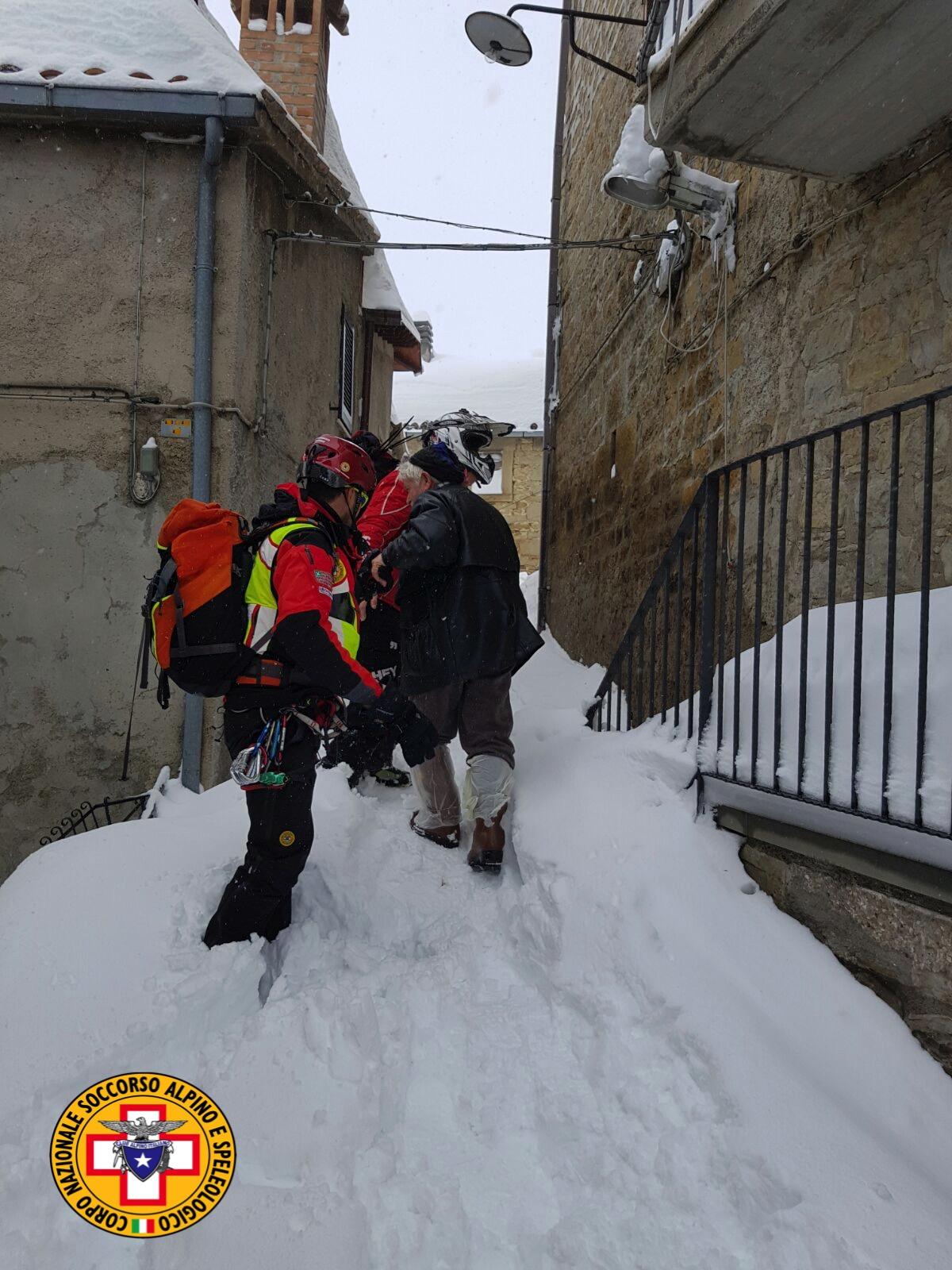 Emergenza neve in Centro Italia: il cuore straordinario dell'Italia che sa aiutare gli altri | Emergency Live 29