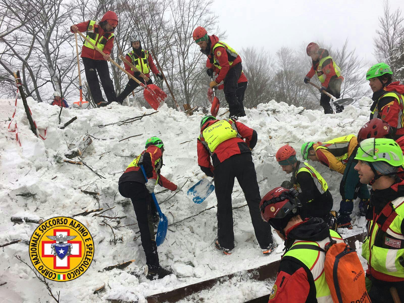 Emergenza neve in Centro Italia: il cuore straordinario dell'Italia che sa aiutare gli altri | Emergency Live 32