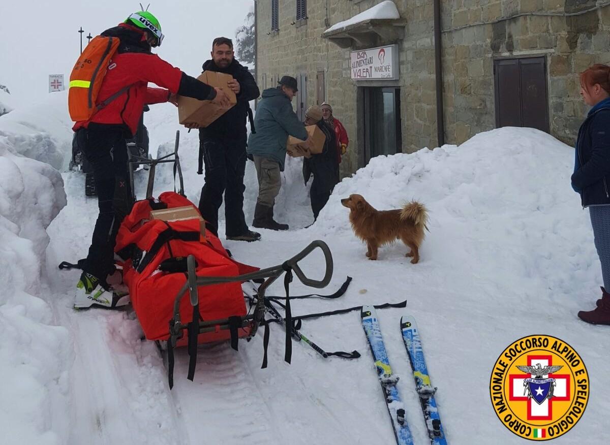 Emergenza neve in Centro Italia: il cuore straordinario dell'Italia che sa aiutare gli altri | Emergency Live 33