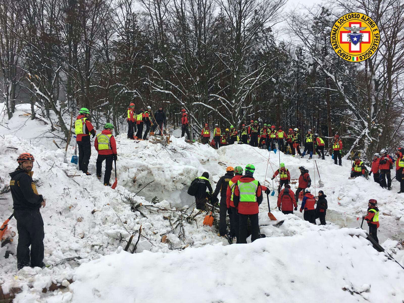 Emergenza neve in Centro Italia: il cuore straordinario dell'Italia che sa aiutare gli altri | Emergency Live 35
