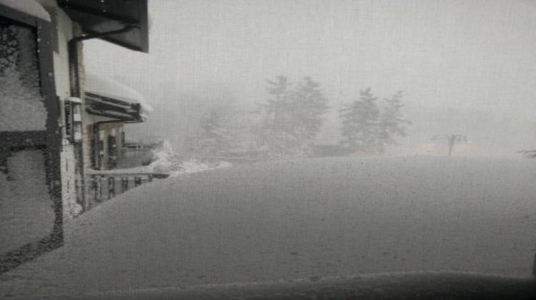 Emergenza Neve e Terremoto: 2 sopravvissuti, estratto il primo corpo | Emergency Live 2