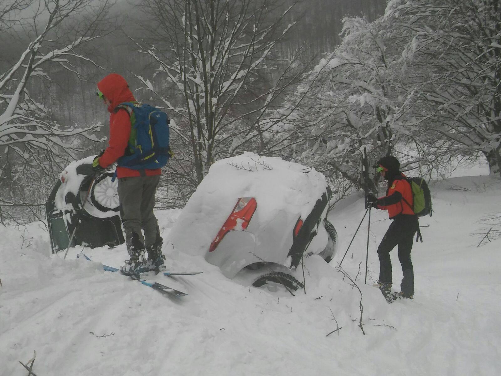 Emergenza Neve e Terremoto: 2 sopravvissuti, estratto il primo corpo | Emergency Live 9